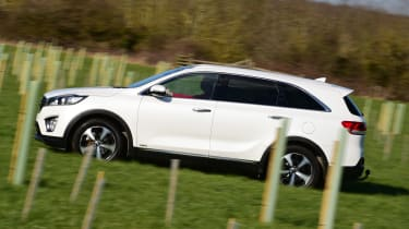Kia Sorento long-term test - side tracking 2