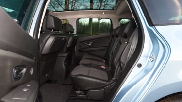 Renault Grand Scenic - rear seats