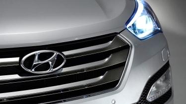 Used Hyundai Santa Fe - grille