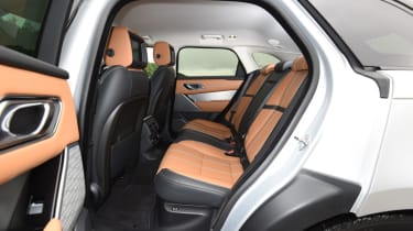 Range Rover Velar - diesel rear seats