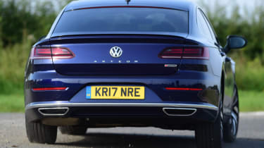 Twin test - VW Arteon - boot action