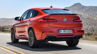 BMW X4M - rear tracking