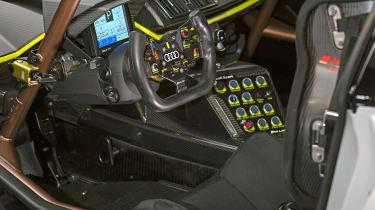 Audi R8 LMS GT2 - interior