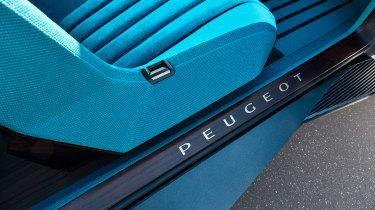 Peugeot e-LEGEND - seat detail