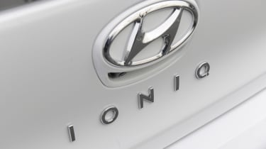 Hyundai Ioniq Plug-in hybrid - Ioniq badge