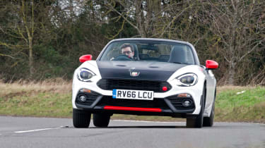 Abarth 124 Spider - front action