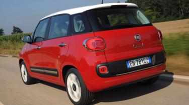 Fiat 500L rear tracking
