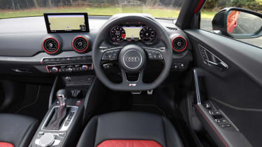 Audi SQ2 - dash