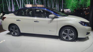 New Nissan Sylphy - front/side