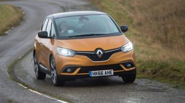 Renault Scenic - front cornering