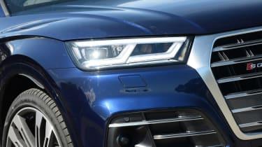 New Audi SQ5 2017 review UK - headlight