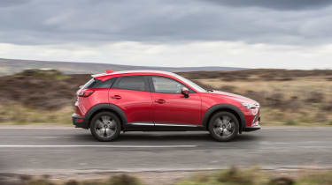 Mazda CX-3 - side action