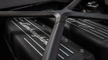 Lamborghini Huracan Evo - engine detail