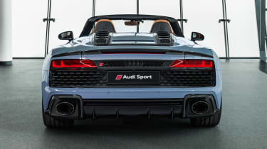 Audi R8 Spyder - studio full rear