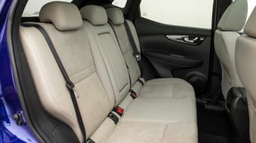 Nissan Qashqai 2014 1.6 dCi rear seats