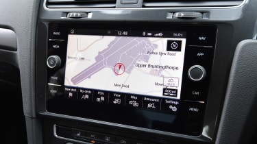 Volkswagen Golf - Navigation