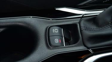 Suzuki Swace - interior controls