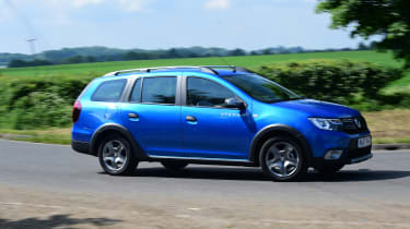 Dacia Logan MCV Stepway - side