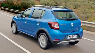 Dacia Sandero Stepway rear tracking