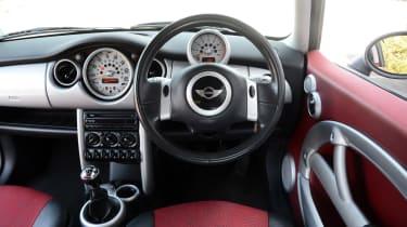 MINI Cooper - modern classic dash