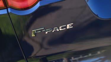Jaguar F-Pace 3.0d 2016 - badge