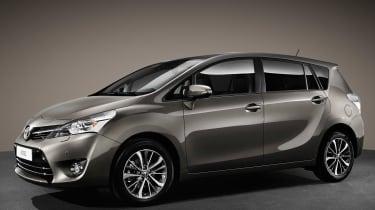 Toyota Verso 2016 - European model side