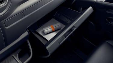 Renault Master - glovebox