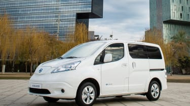 Nissan e-NV200 - front