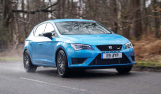 SEAT Leon Cupra 290 2016 UK - front tracking 2