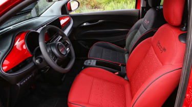 Fiat 500(RED) - front seats