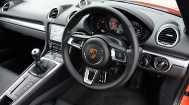Porsche 718 Cayman 2016 - interior