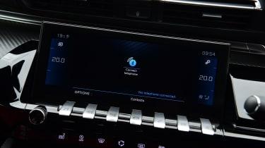 Peugeot 508 SW estate screen