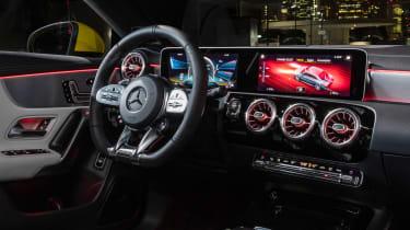 Mercedes-AMG CLA 35 - dash