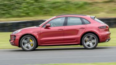 Porsche Macan Turbo - panning