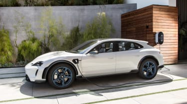 Porsche Mission E Cross Turimso - charging side