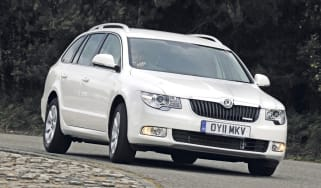 Skoda Superb Greenline II front