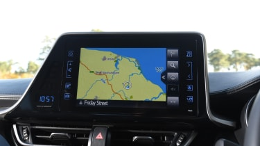 Toyota C-HR - navigation
