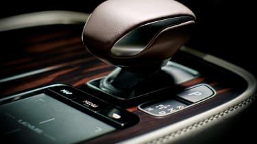 Lexus LS review - controls
