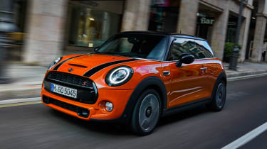 MINI Hatch - front tracking