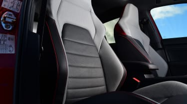Volkswagen Golf GTI - seats