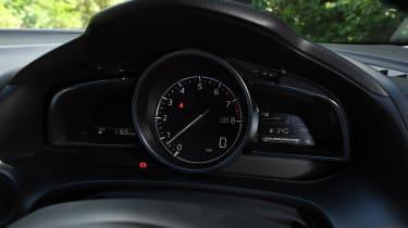 Mazda 3 Fastback - speedo