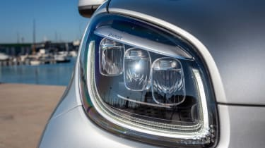 Smart EQ ForTwo - front light
