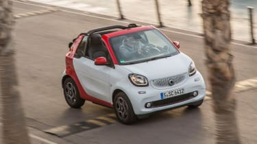 Smart ForTwo Cabrio 2016 - front tracking 2
