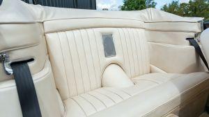 Aston Martin DB5 - convertible seats