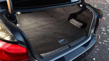 BMW 530e - boot
