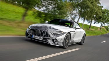 Mercedes SL prototype - front tracking