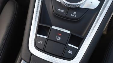 Audi TT RS Roadster - parking brake