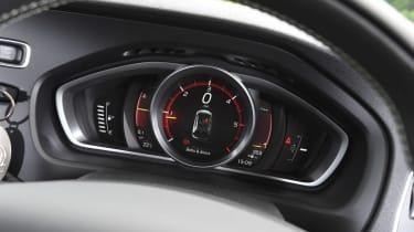 Audi A3 vs Volvo V40 vs Volkswagen Golf - V40 gauges