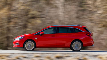 New Vauxhall Astra Sports Tourer - side tracking