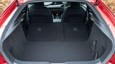 Mazda 3 - boot